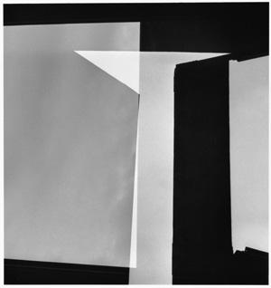 """Geraldo de Barros, s/ título da série """"Fotoformas"""", 1949. Fotografia: gelatina de prata sobre papel fibra, 30 x 40 cm"""
