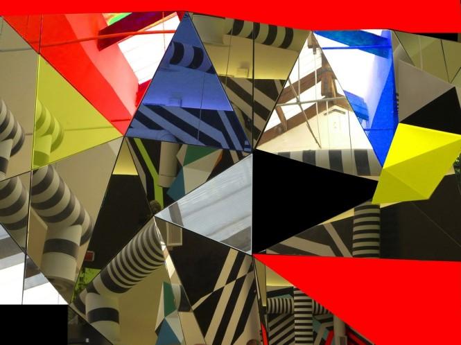 Homenagem a Malevich fotografia em papel metalizado de 2009 medindo 90 x 120 cm à venda no Chapel  Art Show