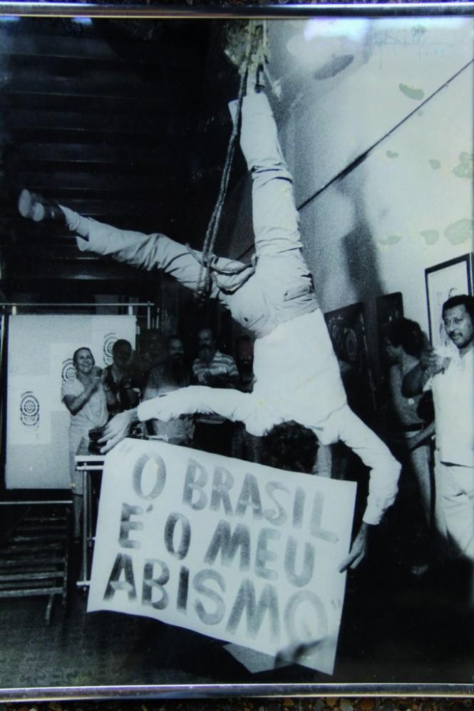 O Brasil e o Meu Abismo, exposição sobre Daniel Santiago